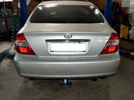 Фаркоп для Subaru Outback 2004-2009 Galia