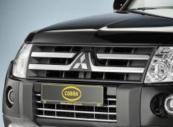 Решітка в бампер Mitsubishi Pajero 2007-2011 Cobra MIT1357