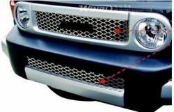 Решетка радиатора и в бампер Toyota FJ Cruiser 2006- Winbo