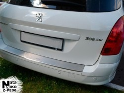 Накладка на бампер с загибом Peugeot 308 2011-2014 универсал Premium