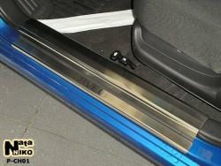 Матові накладки на пороги Chevrolet Aveo 02-12 седан, хетчбек Premium